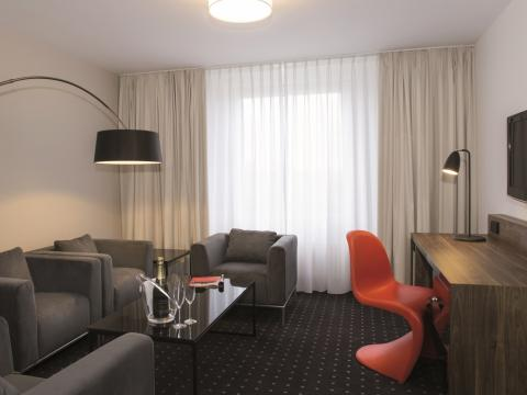 Suite - Sale