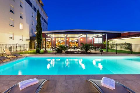 Gatsby Hotel & Restaurant