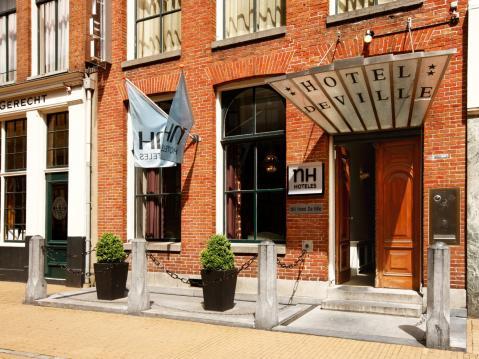 NH Groningen Hotel De Ville