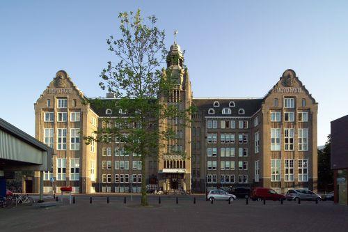Lloyd Hotel